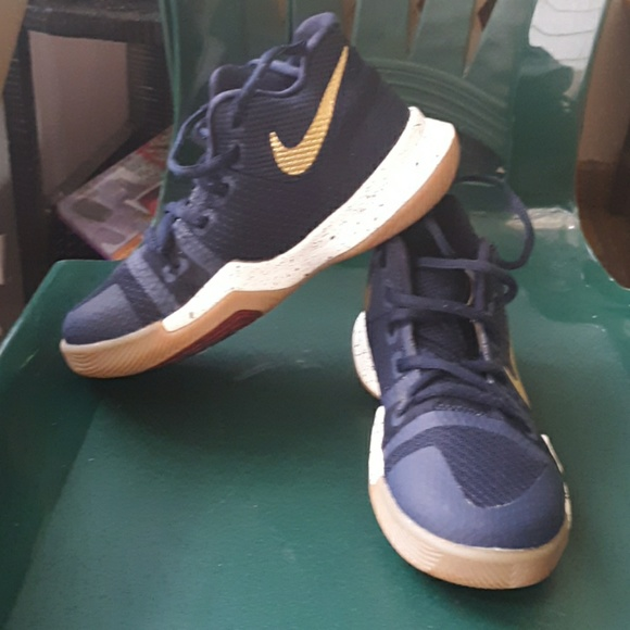 Nike Other - Kyrie 4